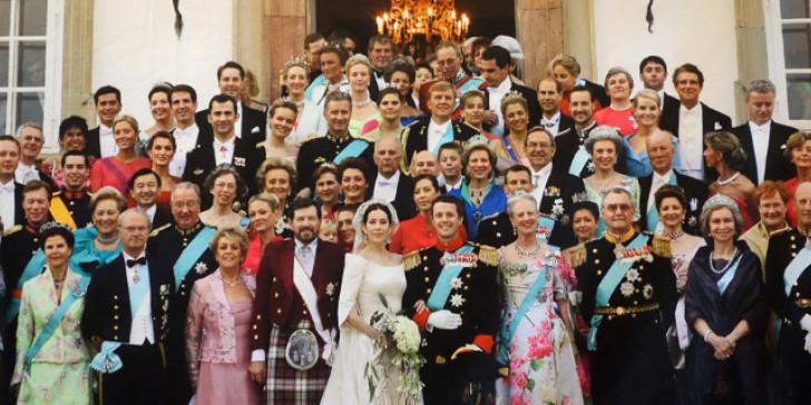 Πόσο στοιχίζει το βασιλικό κηφηναριό στους λαούς της Ευρώπης