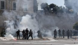 clashes; coronavirus; COVID-19; demonstration; educational; march; police; protest; students; tear gas; tension; Κορωναϊός; ένταση; αστυνομία; δακρυγόνα; δακρυγόνο; διαδήλωση; διαδηλωτές; εκπαιδευτικό; επεισόδια; καταλήψεις; κορονοϊός; κορωνοϊός; μαθητές; μαθητική διαμαρτυρία; πορεία; σχολεία; χημικά;