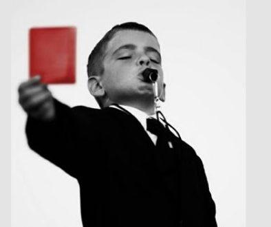 κόκκινη κάρτα_kokkini_karta_troika