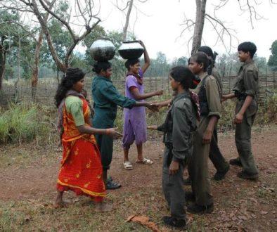 ο γιος μου βγαίνει με μια ινδική κοπέλα. 8 σημαντικές σχέσεις με κόκκινες σημαίες