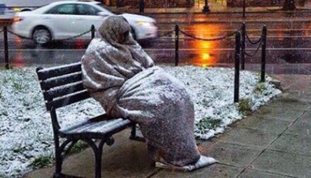 αστεγος νεκρός από το κρύο