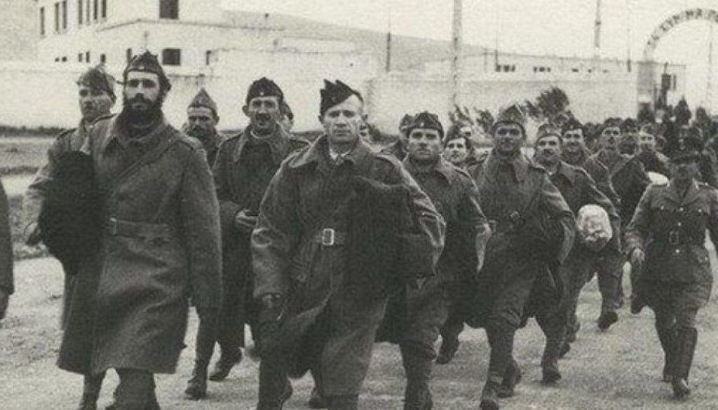 d62a53b1c8c8 Στις 05 04 1918 αποβιβάζονται στο Βλαδιβοστόκ ιαπωνικά και αγγλικά ...