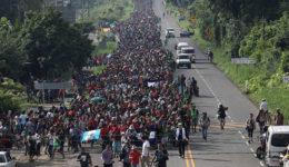 καραβάνι μεταναστών