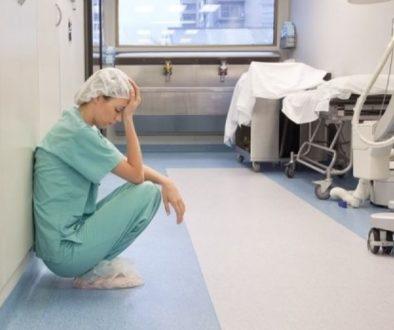 νοσηλεύτρια (2)