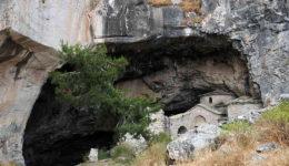 σπηλιά νταβέλη εκκλησάκι 1