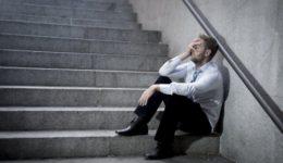 2020 3 27 ανεργοι depositphotos_53420009-stock-photo-businessman-crying-lost-in-depression