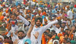 Apergia-India-απεργία-Al-Jazeera-1068x693
