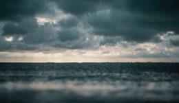 beach-clouds-dark-1154510
