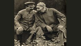 joseph_stalin_and_maxim_gorky_1931 - (2)