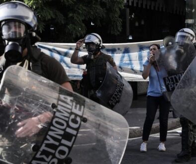 Athens; demonstration; demonstrators; extreme right; Far-right; police; protest; protesters; refugees; riot police; victoria square; YMET; Αθήνα; Αστυνομία; ΜΑΤ; ακροδεξιά; ακροδεξιοί; ακροδεξιός; αστυνομία; αστυνομικά μέτρα; διαδήλωση; διαδηλωτές; διαδηλωτής; διαμαρτυρία; διαμαρτυρόμενος; πλατεία βικτωρίας; πρόσφυγας; πρόσφυγες; συγκέντρωση;